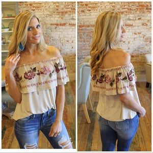 ✨LAST✨Taupe embroidered ruffle off shoulder